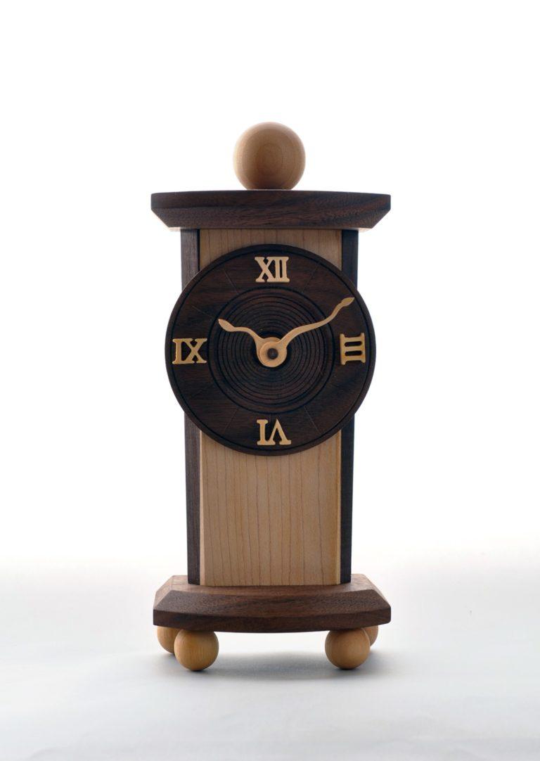 針の曲がった時計